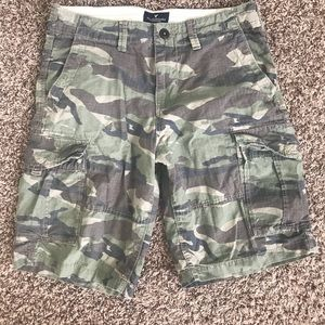 Men's camo skateboard shorts